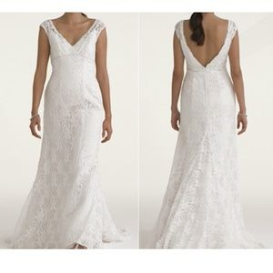 NWT Wedding gown beaded/lace/cap sleeve (Sz 6P)